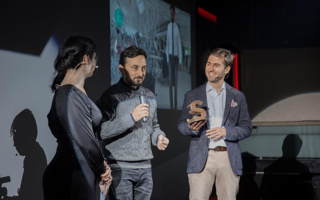 Pablo Rodríguez, director del Centro de I+D de telefónica recibe el Premio Be Singular